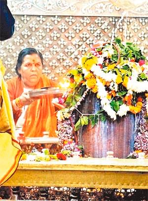 Ujjain: Uma Bharati praises proposed plantation drive on Narmada banks