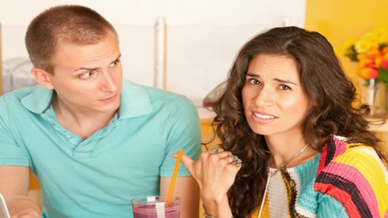 Agony Aunt helps you to deal with problems in personal life