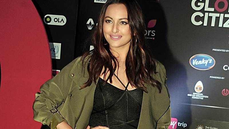 People do try to suppress opinionated people: Sonakshi Sinha