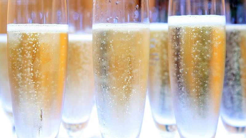 Champagne owes its taste to finely tuned bubbles: study