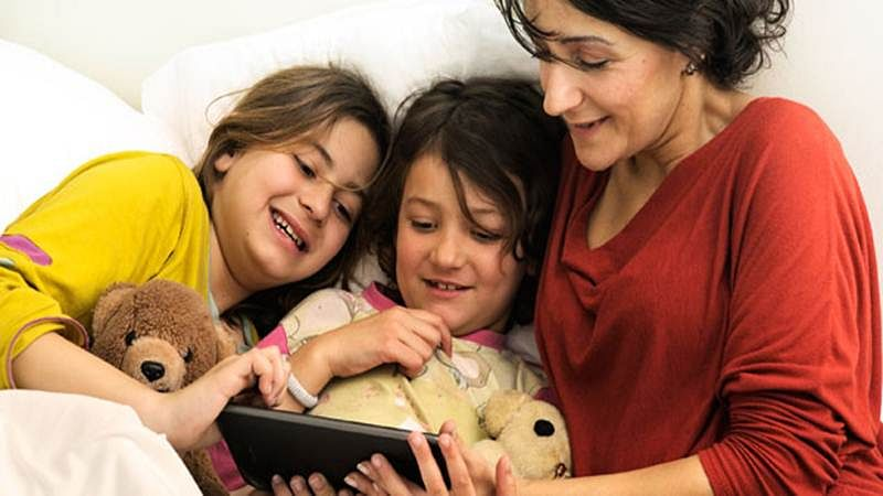Read e-book to your kids to increase their vocabulary
