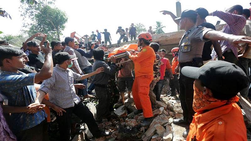 Indonesia earthquake toll rises to 52