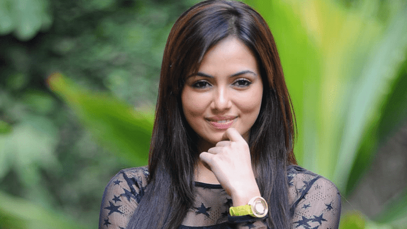 I don't enjoy bold roles: Sana Khan