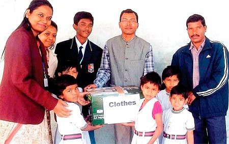 Bhopal: Campion school students spend time with slum kids