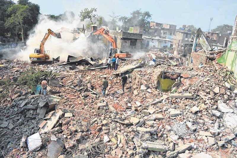 Indore: 40 encroachments razed in Gadi Adda