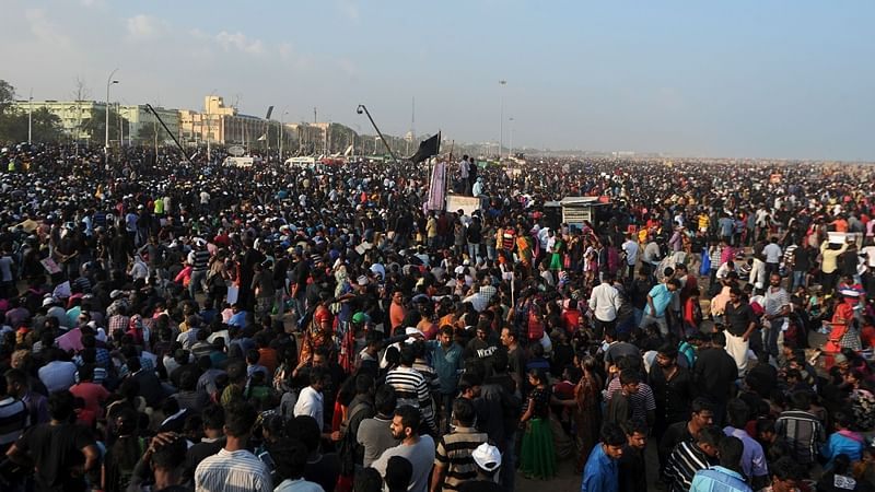 Jallikattu: Police evict Jallikattu protesters in Tamil Nadu