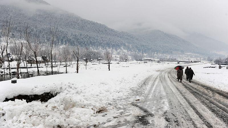 Kashmir gets fresh snowfall, light rains; dry spell broken in the Valley