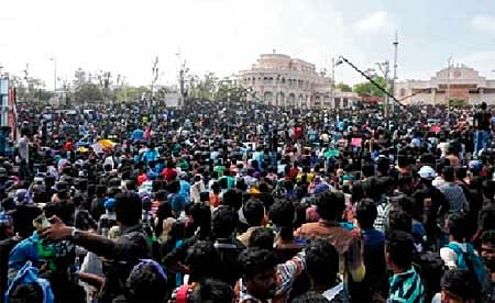 Tamilians in Mumbai held protest over Jallikattu