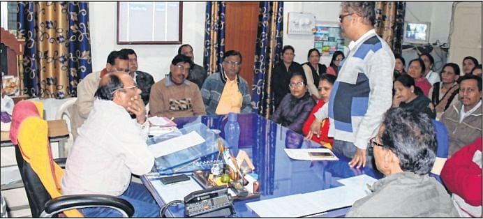 Ujjain: Lecturers meet public edu joint dir, demand timescale grade pay