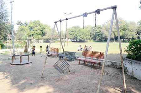 Bhopal: Park turns into illegal parking space
