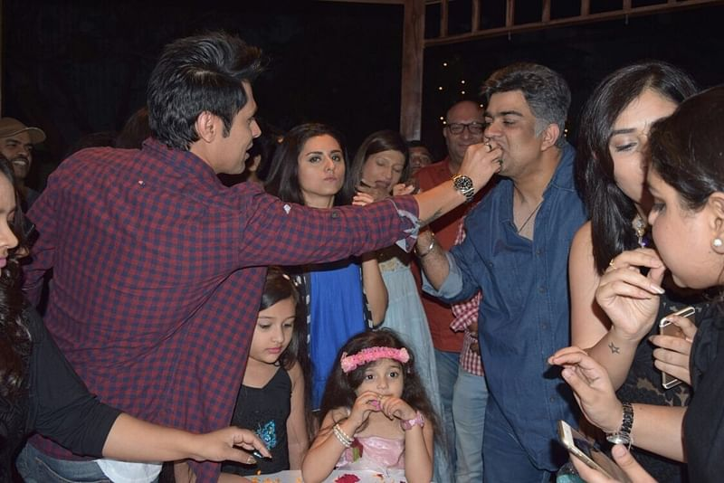 In pictures: Siddharth P. Malhotra launch show 'Woh Apna Sa' on the set!