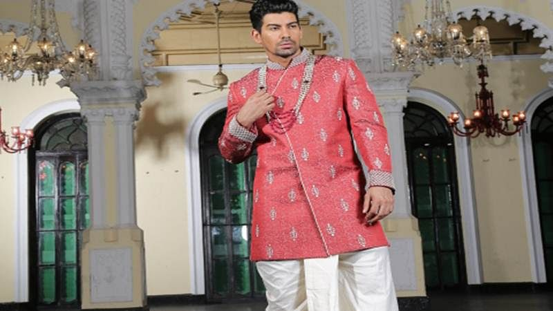 Wear dhotis and lungis in fashionable way