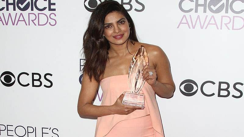 Bollywood congratulate Priyanka Chopra on her win
