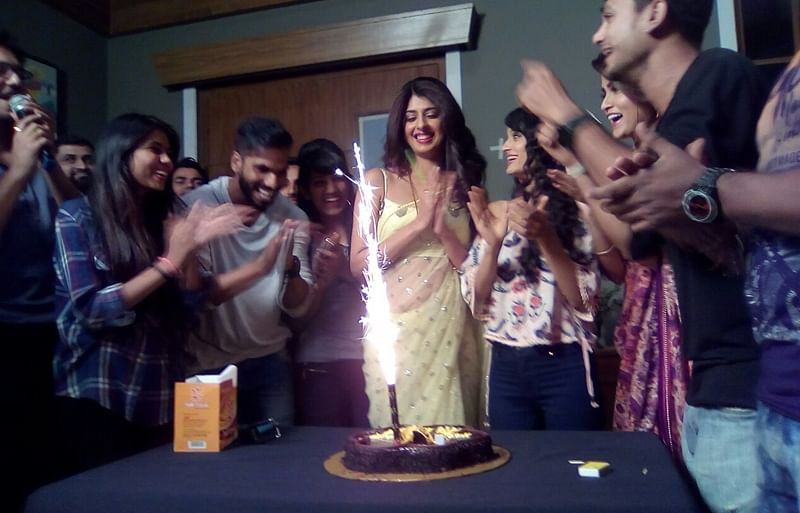 Aishwarya Sakhuja celebrates birthday on the set of Trideviyaan