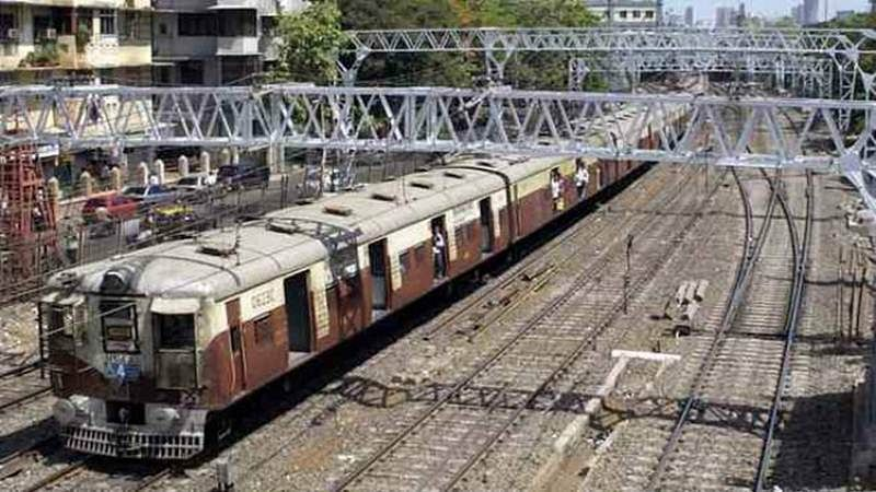 Ganpati Visarjan 2018: Mumbai's Central and Western Railways' to ply extra midnight trains on Sunday, September 23