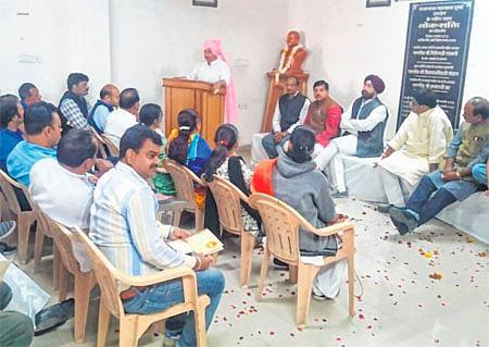 Ujjain: BJP MP Chintamani Malviya felicitated at party office