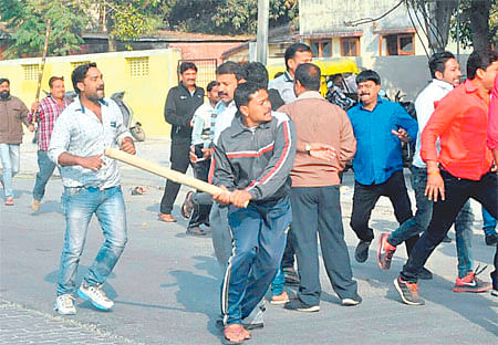 Indore: Congress workers thrashed by BJP men