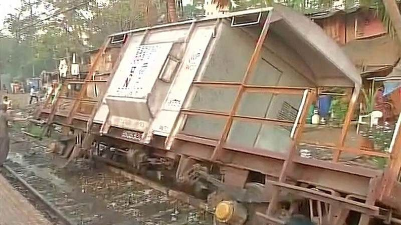 Mumbai: Commuters hard hit for 14 hours as goods train derails on Harbour line