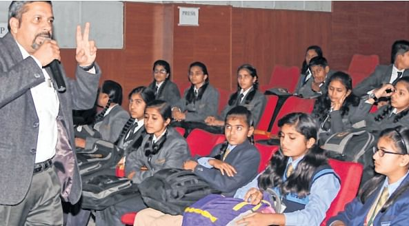 Bhopal: Essay writing contest, lecture on World Wetland Day at RMNH