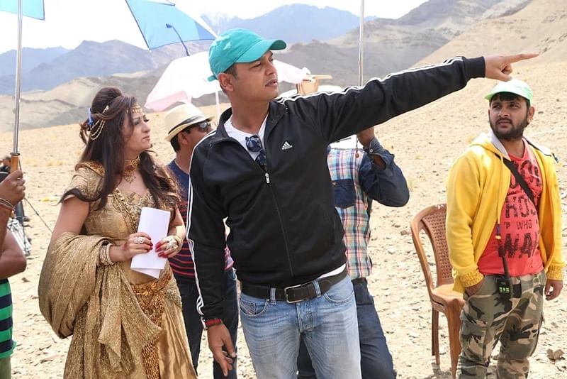 Siddharth is a absolutely brilliant director, says Juhi Parmar