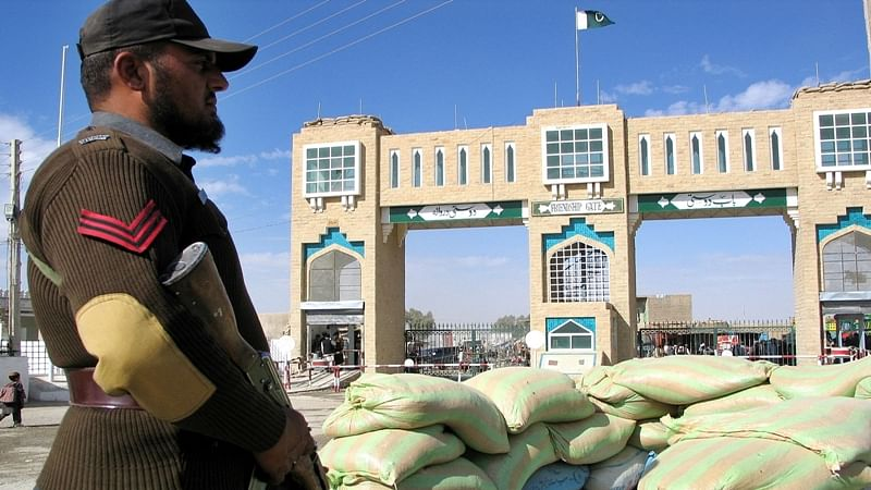 Pakistan-Afghanistan border crossing sealed at Torkham