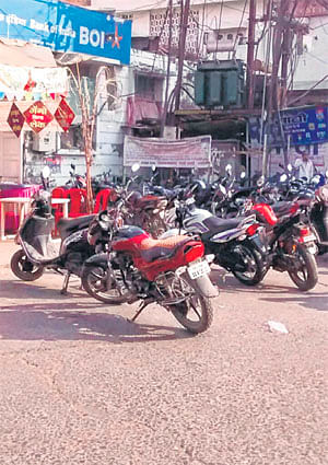 Ujjain: Sati Gate & Gopal Mandir, Prime shopping areas of old city hit by woeful traffic