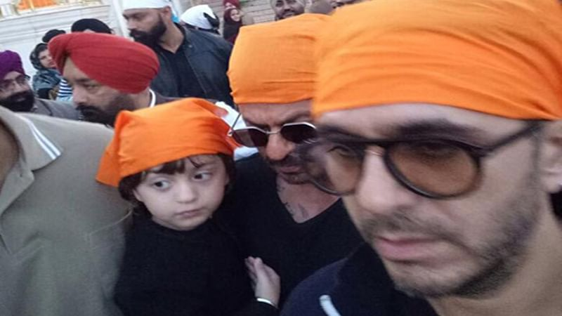 Shah Rukh Khan with son AbRam visit Golden Temple in Amritsar