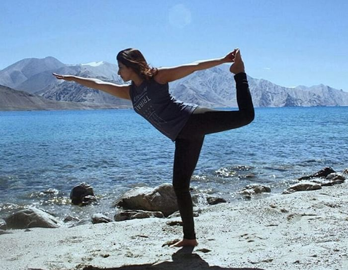 Happy 43rd Birthday Urmila Matondkar:  A yoga pictures sparks serious fitness vibes!