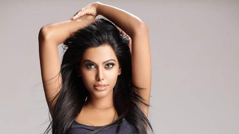Natasha Suri joins the web bandwagon