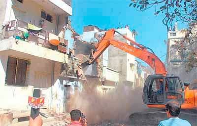 Indore: Four multi-storey buildings, three cattle sheds pulled down
