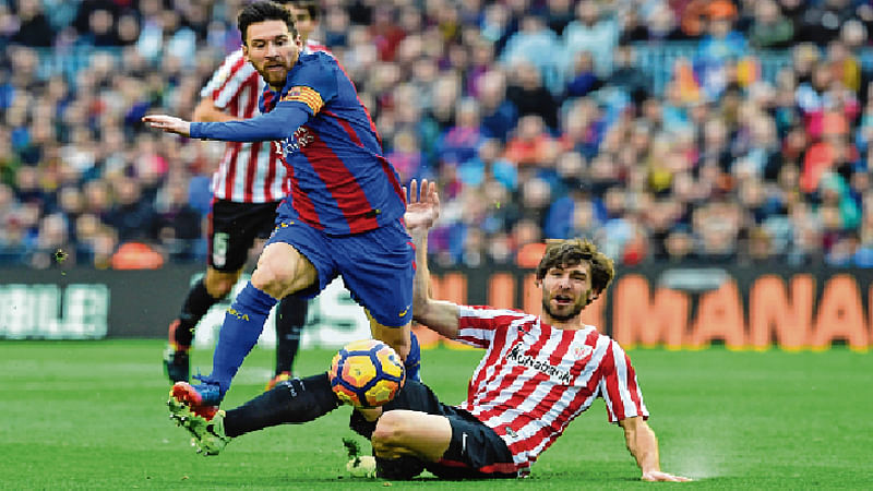 Barca close in as Real fixture is called off