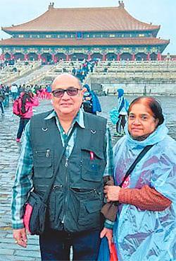 Indore: Dr Anil Parnerkar beats arthritis and takes spouse for a world tour