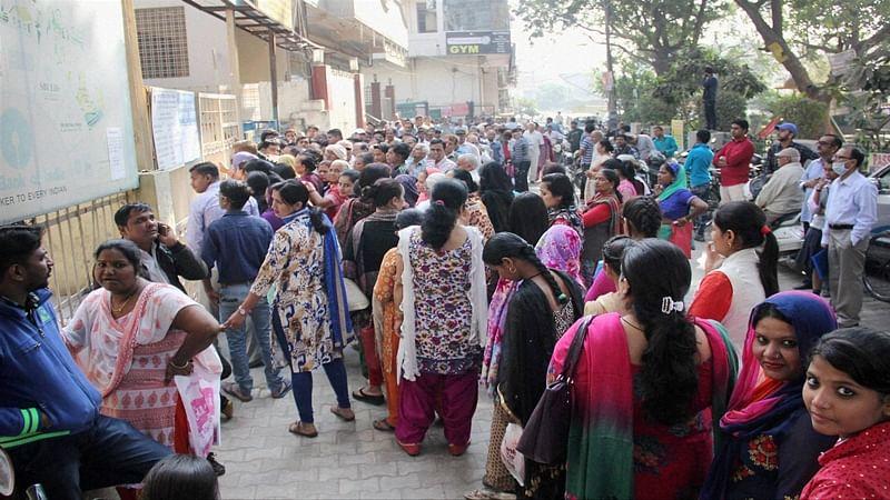 Scramble to exchange money as March 31 deadline nears