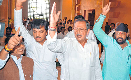 Bhopal: Congress walkout over illegal mining
