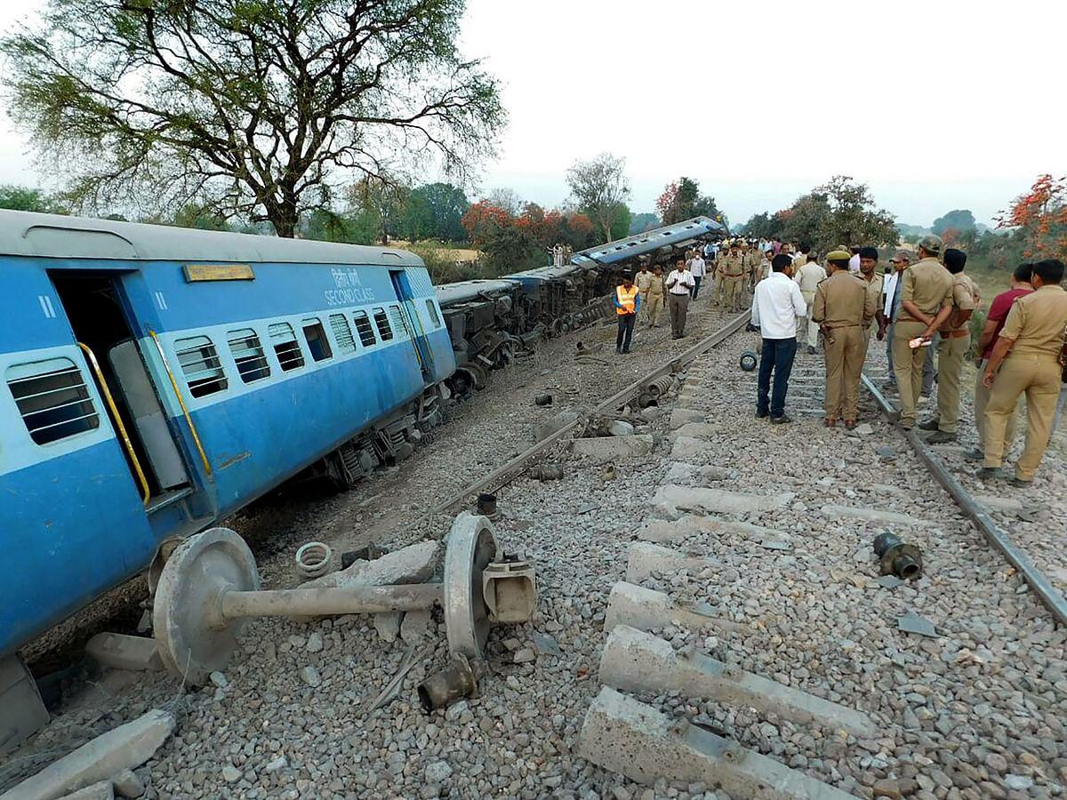 UP: 36 injured as six bogies of Mahakaushal Express derail near Mahoba