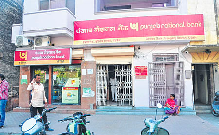 Ujjain: Illegal parking, encroachment unleash chaos in Freeganj