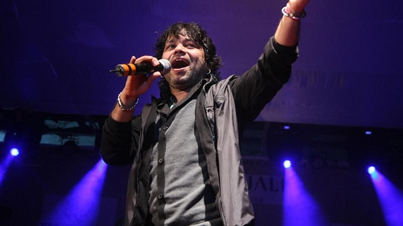 Kailash Kher teams up with lyricist Prasoon Joshi for surgical strikes song