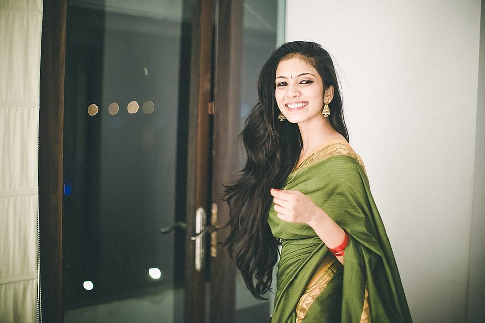 Malavika Mohanan to play leading lady in Majidi's Beyond The Clouds