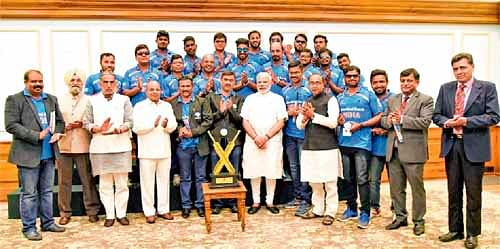 Prime Minister Narendra Modi meets Indian blind cricket team