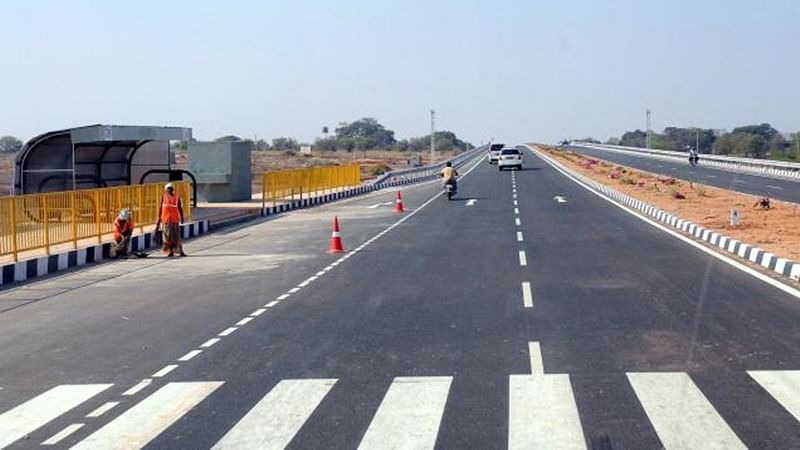 Bhayandar: After 25-year wait, expansion work starts on roads in Uttan