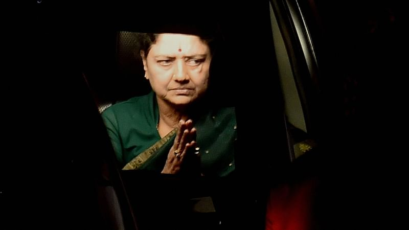 Chennai: Sasikala leaves for Bengaluru central jail as her five day parole ends