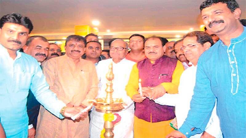 Sagar Gaire opens at Berasia Road