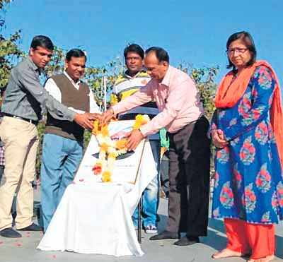 Ujjain: Nat'l Science Day celebrated in schools, colleges; students exhibit exceptional ideas