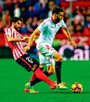 Sevilla at #3, stay in title race