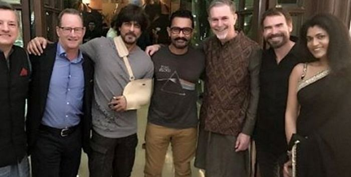 Shah Rukh and Aamir Khan becomes a new best friend in B-Town! here is a proof