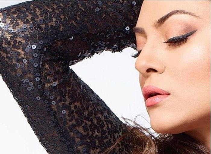 Shushmita Sen shares hot pictures on Instagram