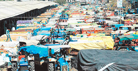 Ujjain: Wheat sale at low prices irks farmers, demand for support price builds up