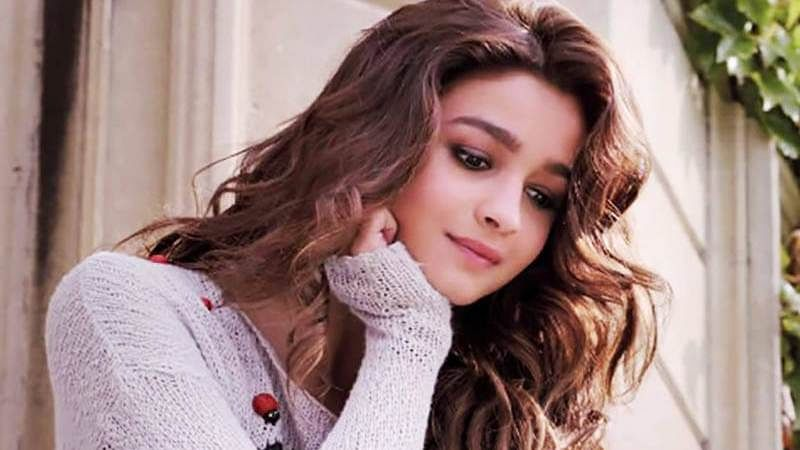 Alia Bhatt to pay tribute to Karan Johar at awards show