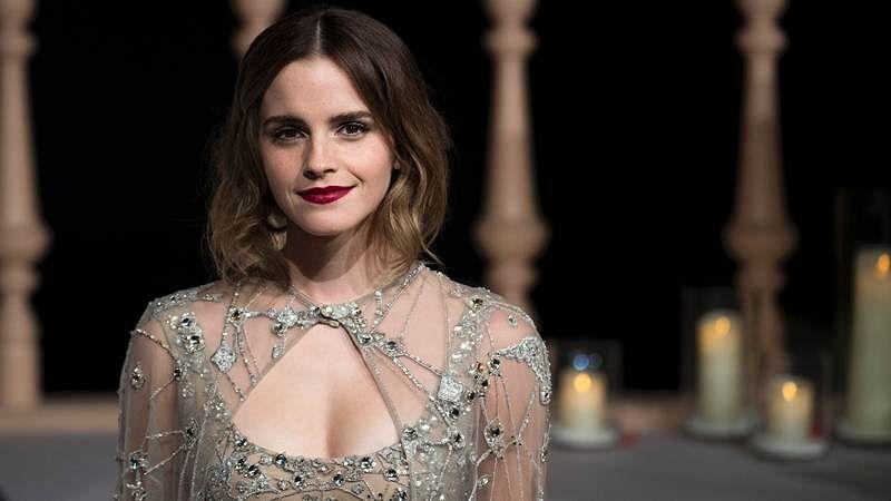 Namaste India: Emma's Holi greetings from Hollywood