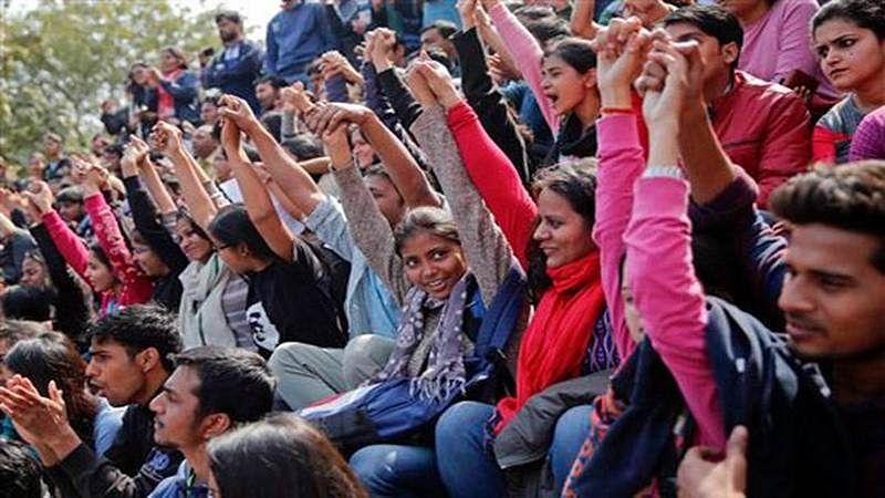 "JNU students' stir ""peaceful"", says police; Univ disagrees"